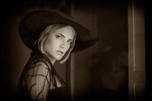 the-big-hat-01-bw